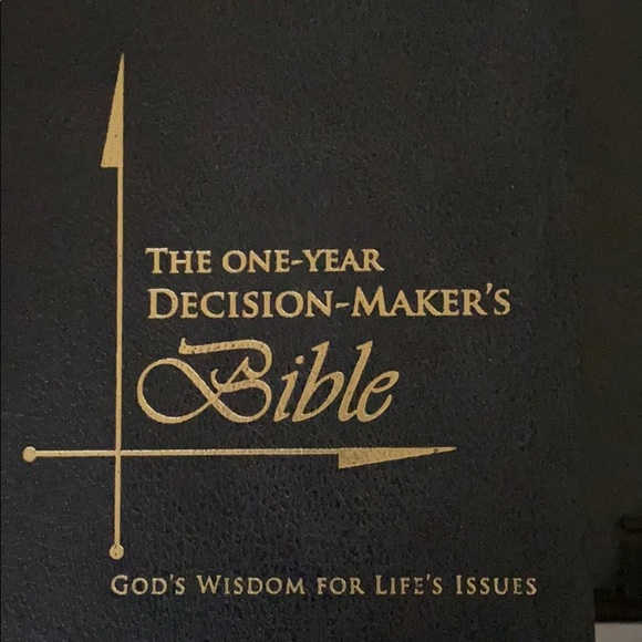 The One Year Decision Makers Bible